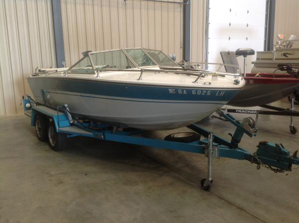 1972 Sea Ray boat for sale, model of the boat is SRV 190 I/O & Image # 5 of 21