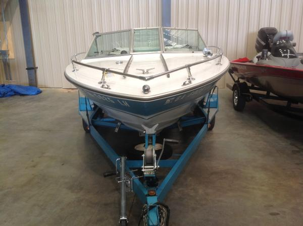 1972 Sea Ray boat for sale, model of the boat is SRV 190 I/O & Image # 6 of 21