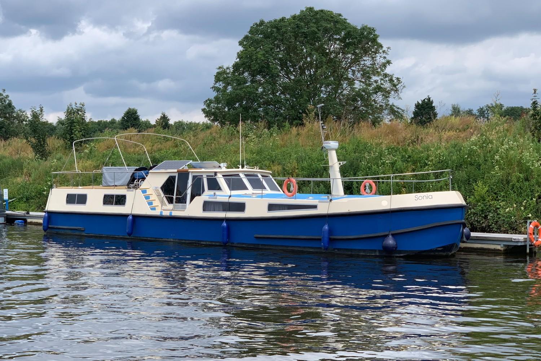 York Replica Dutch Barge