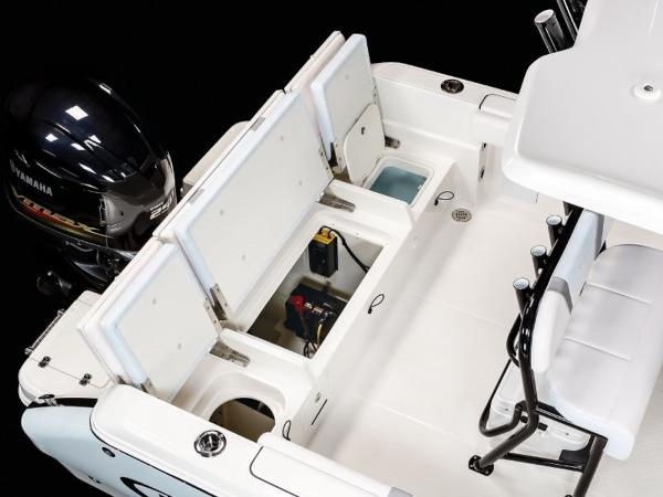 2020 Robalo boat for sale, model of the boat is R230 & Image # 19 of 24