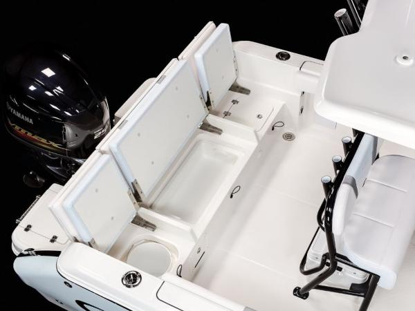 2020 Robalo boat for sale, model of the boat is R230 & Image # 20 of 24