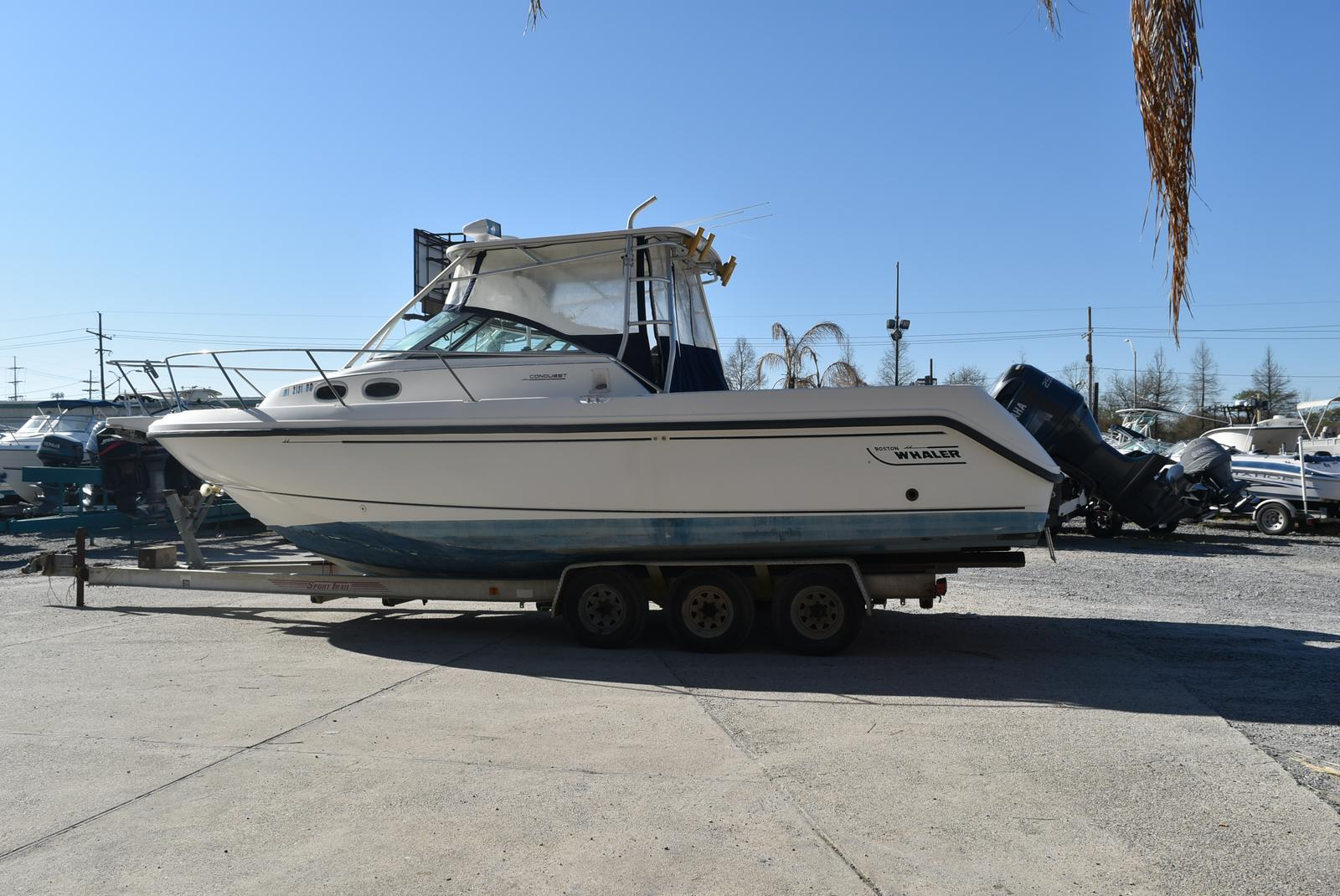 1999 Boston Whaler boat for sale, model of the boat is 285 Conquest & Image # 47 of 50
