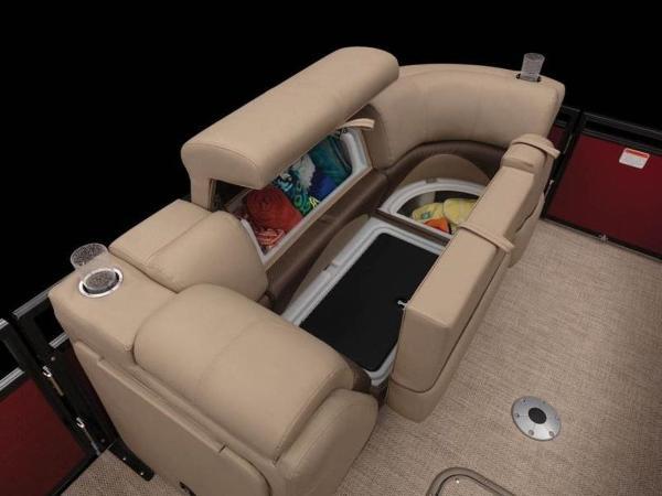 2020 Regency boat for sale, model of the boat is 210 DL3 & Image # 15 of 52