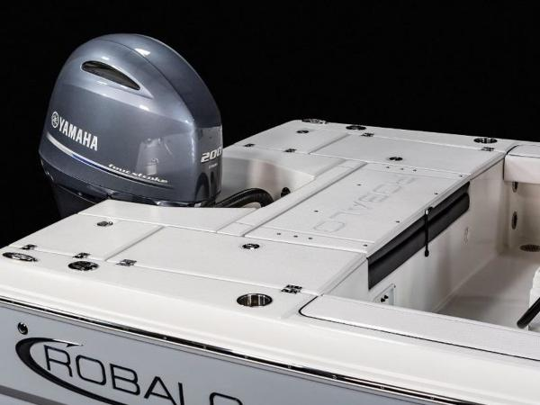 2020 Robalo boat for sale, model of the boat is 226 Cayman & Image # 10 of 20