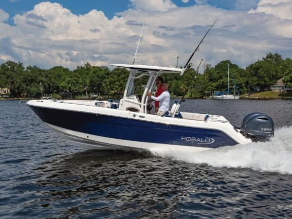 2020 Robalo boat for sale, model of the boat is R242 & Image # 5 of 6