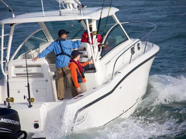 2020 Boston Whaler boat for sale, model of the boat is 315 Conquest & Image # 32 of 79