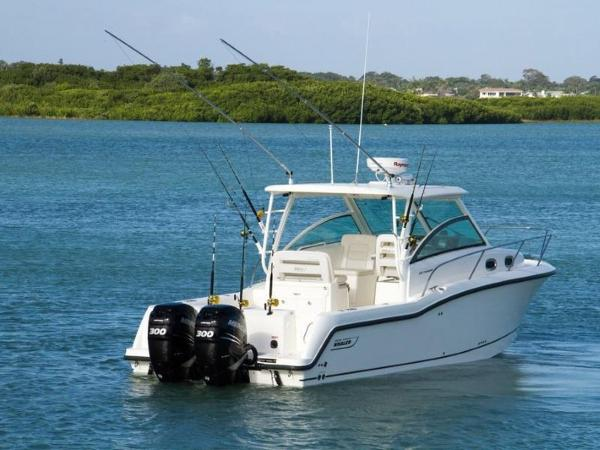 2020 Boston Whaler boat for sale, model of the boat is 315 Conquest & Image # 35 of 79