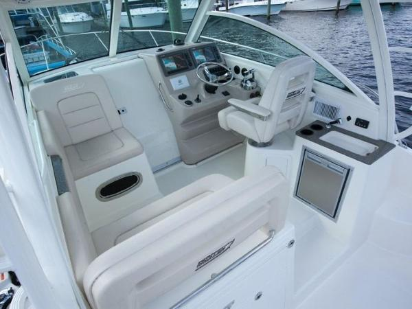 2020 Boston Whaler boat for sale, model of the boat is 315 Conquest & Image # 69 of 79