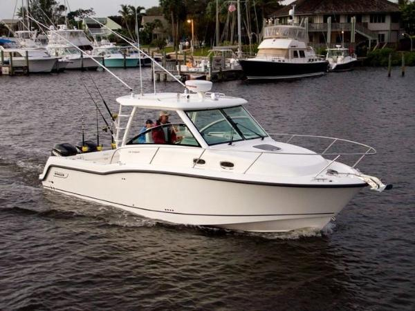 2020 BOSTON WHALER 315 CONQUEST for sale