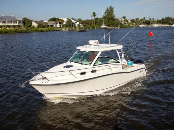 2020 Boston Whaler boat for sale, model of the boat is 315 Conquest & Image # 2 of 79