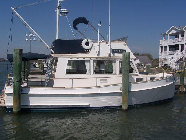 32' Grand Banks Trawler