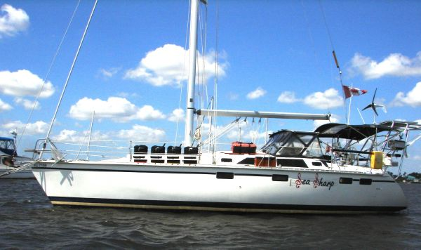 Hunter 37.5 Racers and Cruisers. Listing Number: M-3584382 37' Hunter 37.5