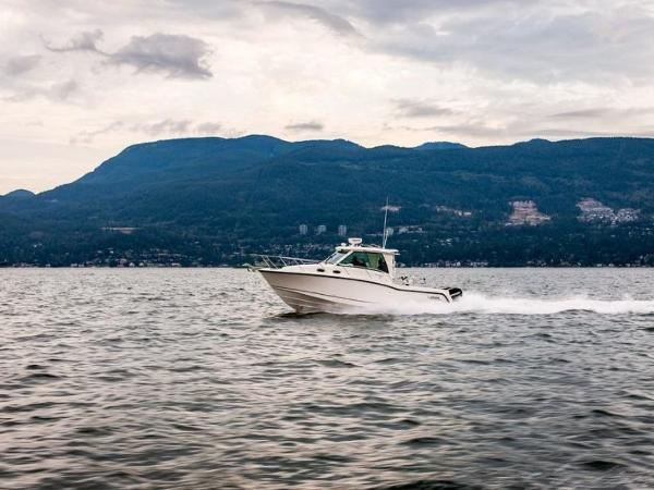 2020 Boston Whaler boat for sale, model of the boat is 315 Conquest Pilothouse & Image # 5 of 72