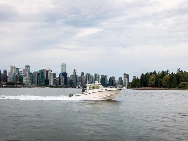2020 Boston Whaler boat for sale, model of the boat is 315 Conquest Pilothouse & Image # 24 of 72