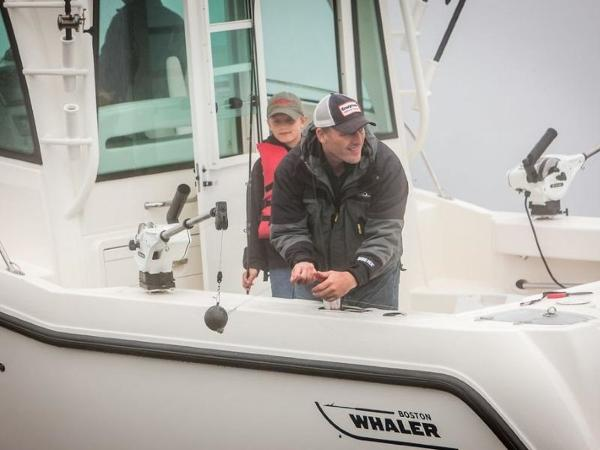 2020 Boston Whaler boat for sale, model of the boat is 315 Conquest Pilothouse & Image # 29 of 72