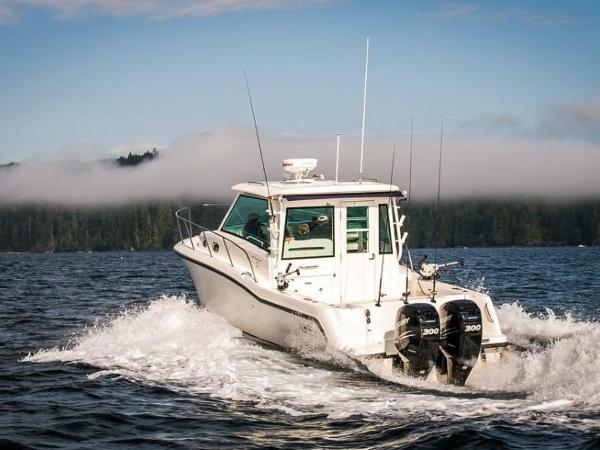 2020 Boston Whaler boat for sale, model of the boat is 315 Conquest Pilothouse & Image # 47 of 72