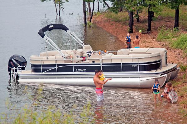 2016 Lowe boat for sale, model of the boat is SS250 Walk-Thru & Image # 1 of 6