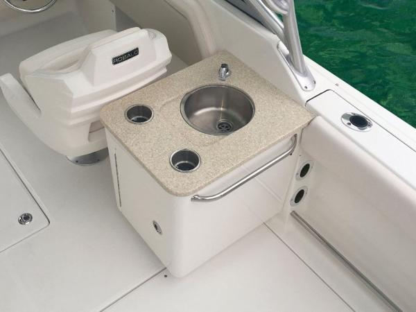 2020 Robalo boat for sale, model of the boat is R247 & Image # 2 of 28
