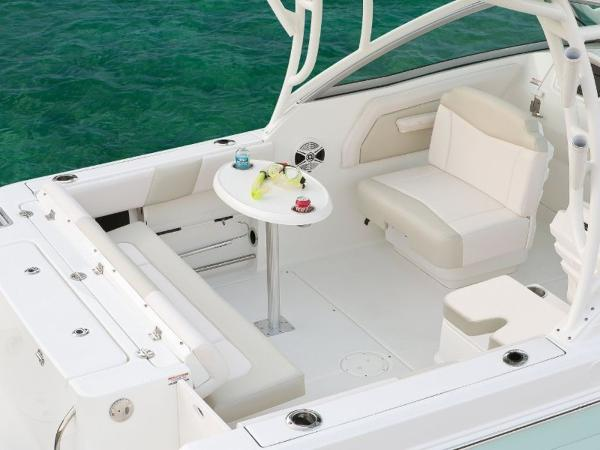 2020 Robalo boat for sale, model of the boat is R247 & Image # 9 of 28