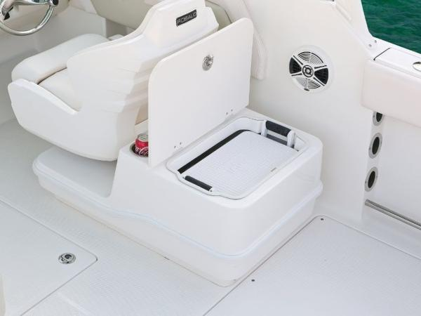 2020 Robalo boat for sale, model of the boat is R247 & Image # 10 of 28