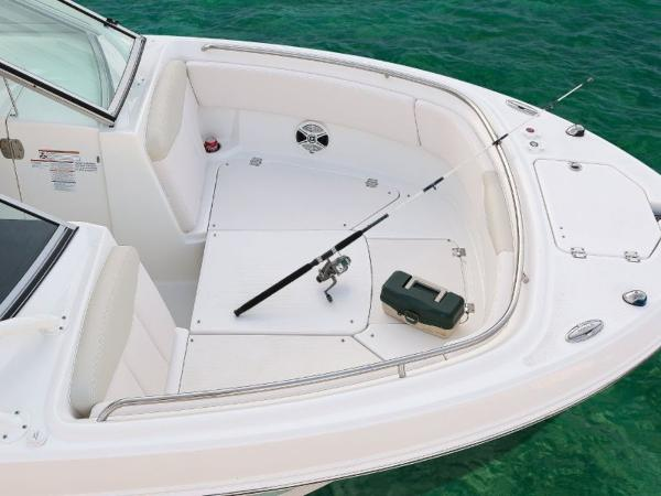 2020 Robalo boat for sale, model of the boat is R247 & Image # 16 of 28