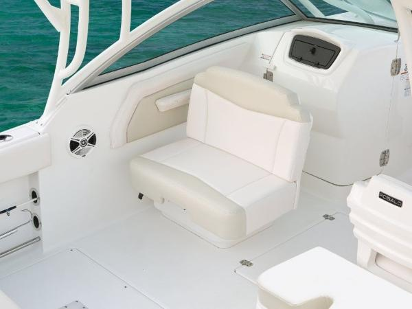 2020 Robalo boat for sale, model of the boat is R247 & Image # 23 of 28