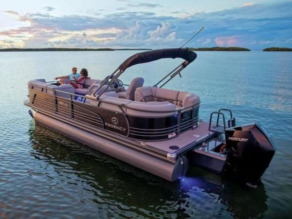 2020 Regency boat for sale, model of the boat is 230 LE3 & Image # 25 of 55