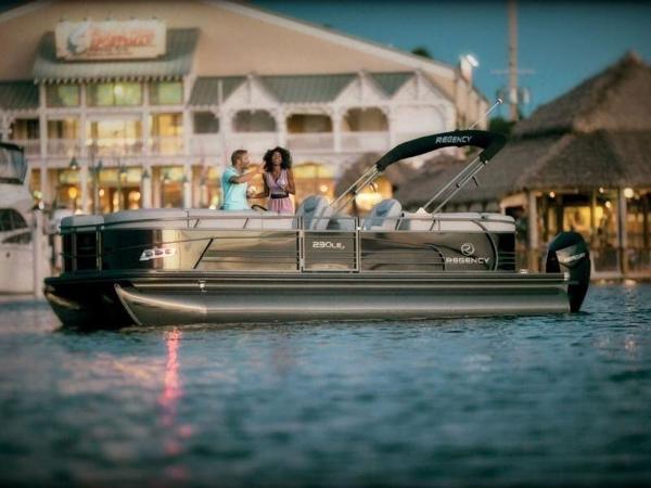 2020 Regency boat for sale, model of the boat is 230 LE3 & Image # 41 of 55