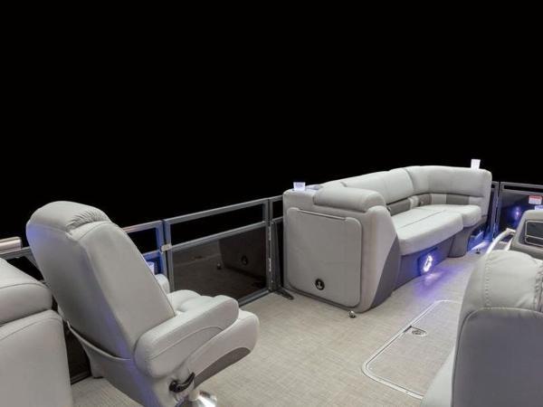 2020 Regency boat for sale, model of the boat is 230 LE3 & Image # 48 of 55