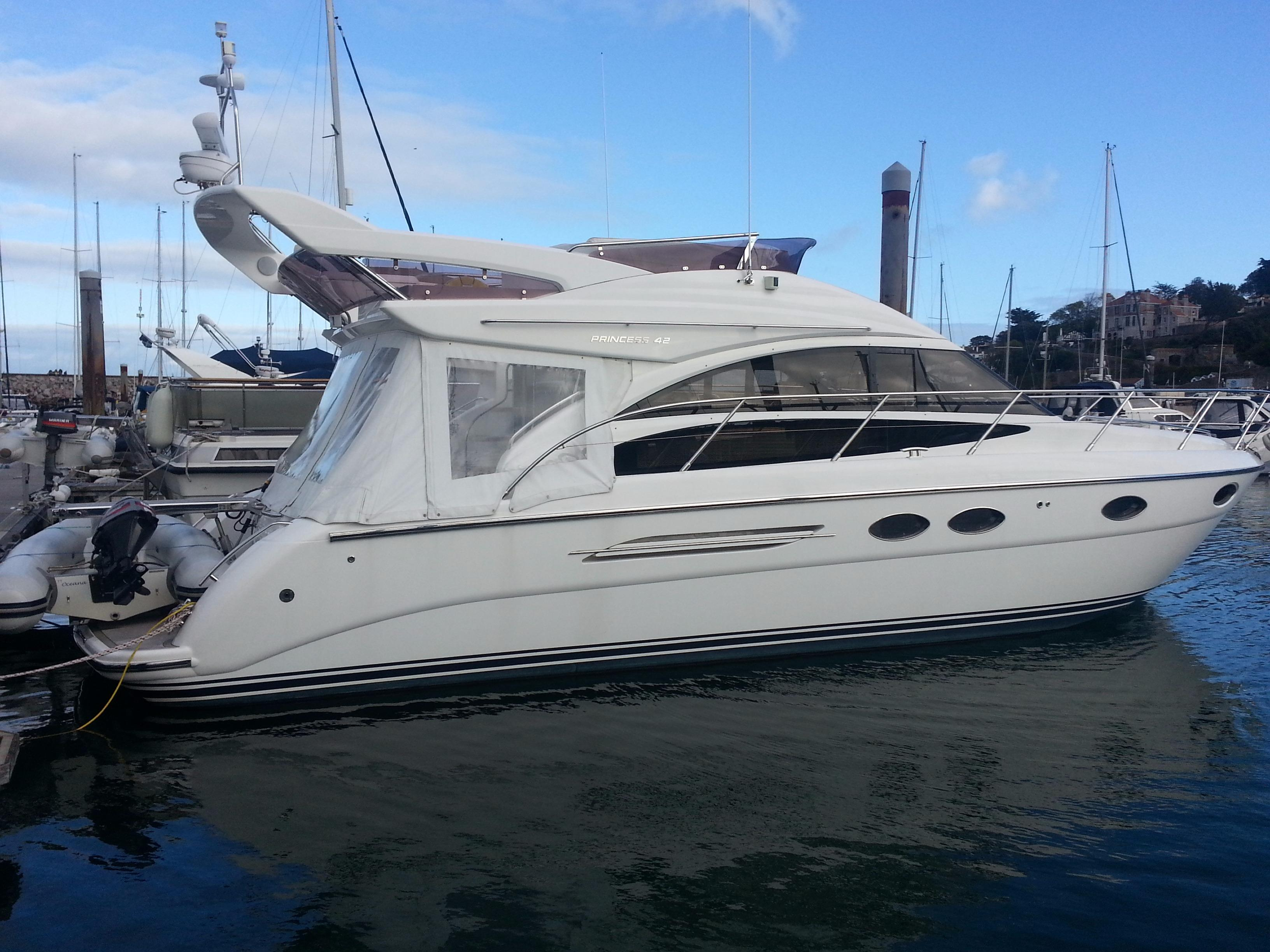 Used princess 42 motor yacht for sale princess motor for Used motor yacht for sale