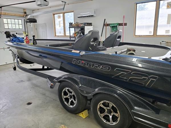 2018 Nitro boat for sale, model of the boat is Z21 & Image # 2 of 7