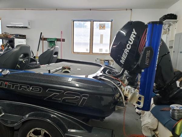 2018 Nitro boat for sale, model of the boat is Z21 & Image # 4 of 7