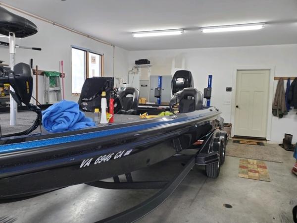 2018 Nitro boat for sale, model of the boat is Z21 & Image # 6 of 7
