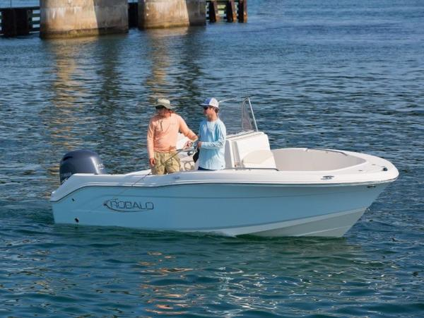 2020 Robalo boat for sale, model of the boat is R180 & Image # 4 of 16