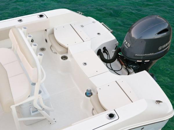2020 Robalo boat for sale, model of the boat is R180 & Image # 6 of 16