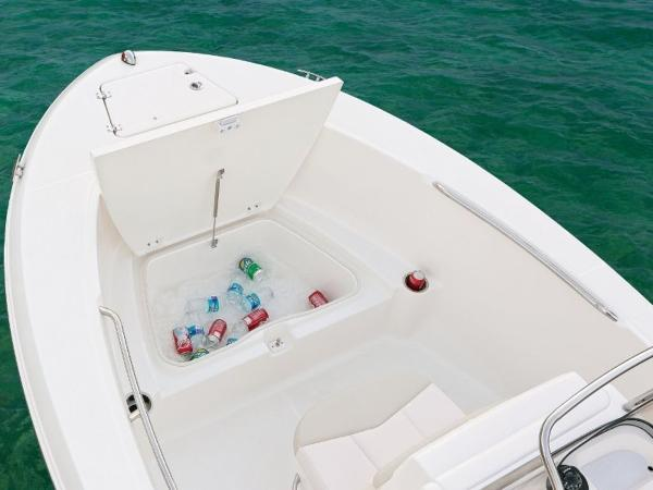 2020 Robalo boat for sale, model of the boat is R180 & Image # 10 of 16