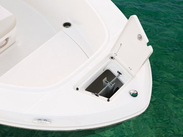 2020 Robalo boat for sale, model of the boat is R180 & Image # 11 of 16