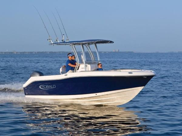 2020 Robalo boat for sale, model of the boat is R200 & Image # 2 of 18