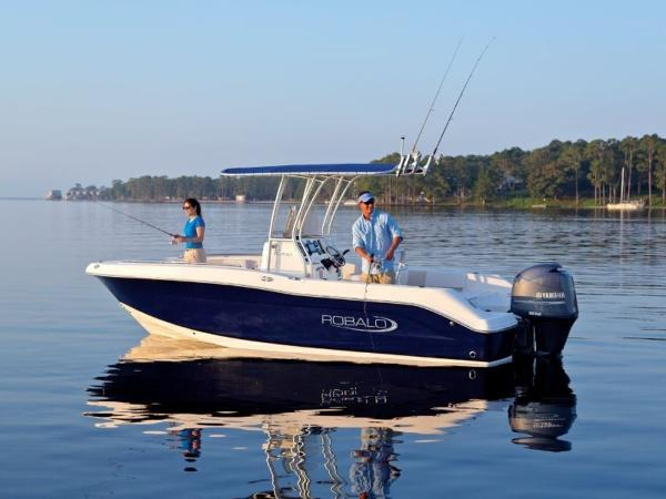 2020 Robalo boat for sale, model of the boat is R200 & Image # 13 of 18