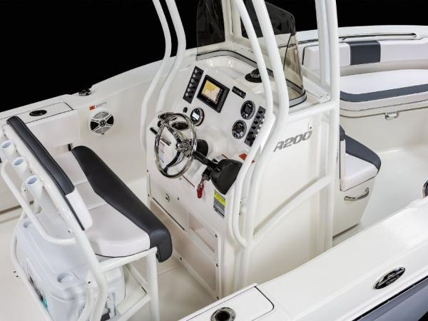 2020 Robalo boat for sale, model of the boat is R200 & Image # 15 of 18