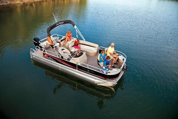 2013 Sun Tracker boat for sale, model of the boat is Fishin' Barge 22 DLX & Image # 2 of 44