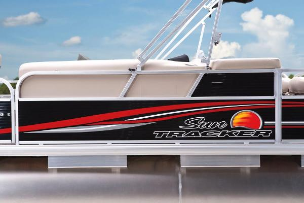 2013 Sun Tracker boat for sale, model of the boat is Fishin' Barge 22 DLX & Image # 26 of 44