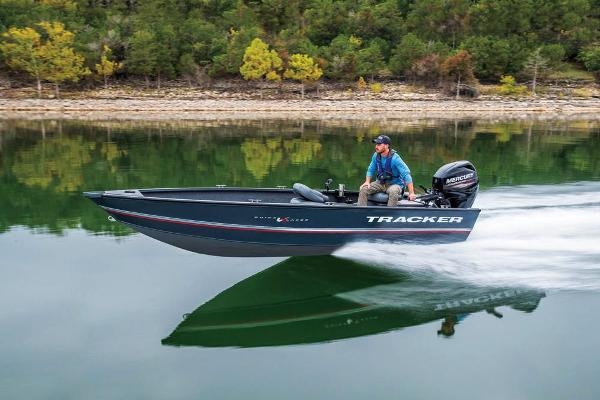 2020 Tracker Boats boat for sale, model of the boat is Guide V-16 Laker DLX T & Image # 3 of 29