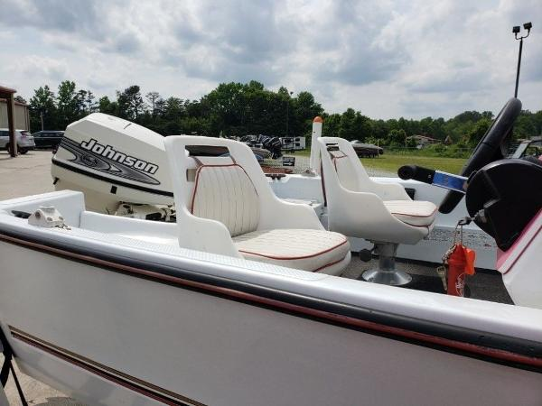 2001 Logic boat for sale, model of the boat is 16 & Image # 9 of 10