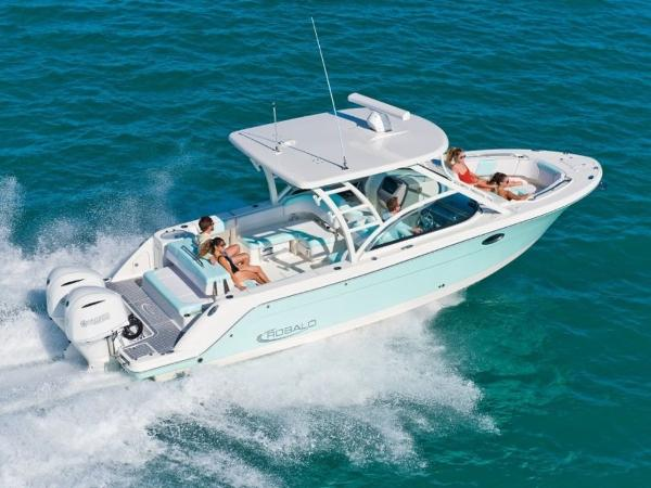 2020 Robalo boat for sale, model of the boat is R317 & Image # 1 of 39