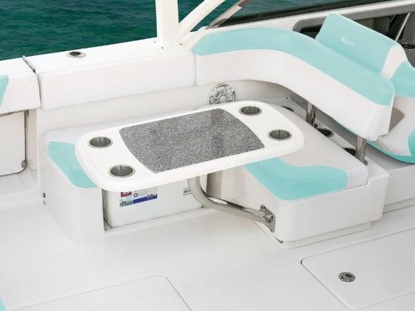 2020 Robalo boat for sale, model of the boat is R317 & Image # 19 of 39