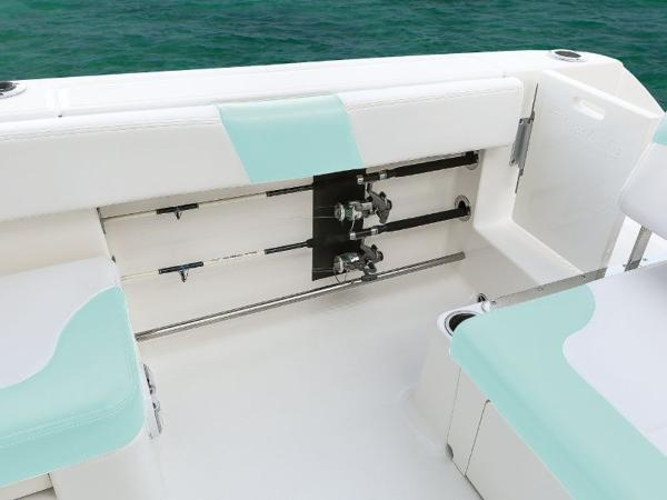 2020 Robalo boat for sale, model of the boat is R317 & Image # 30 of 39