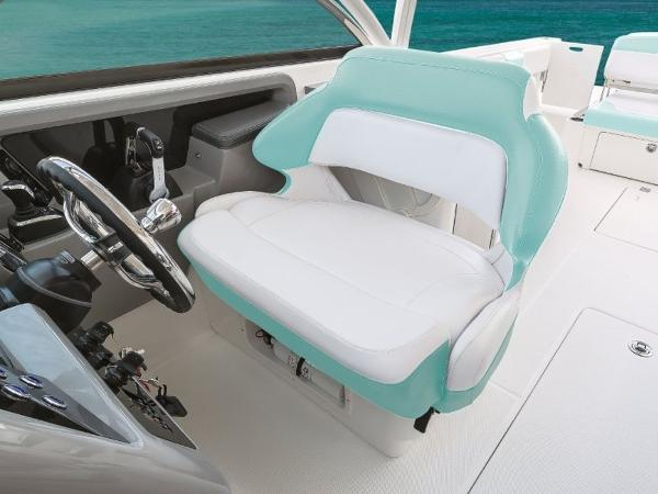 2020 Robalo boat for sale, model of the boat is R317 & Image # 39 of 39