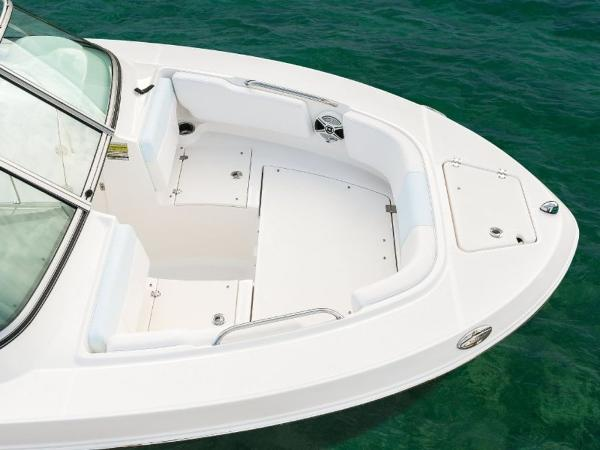 2020 Robalo boat for sale, model of the boat is R207 & Image # 4 of 21