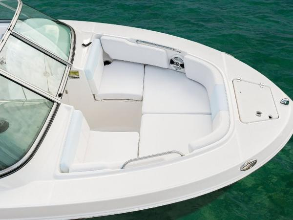 2020 Robalo boat for sale, model of the boat is R207 & Image # 6 of 21